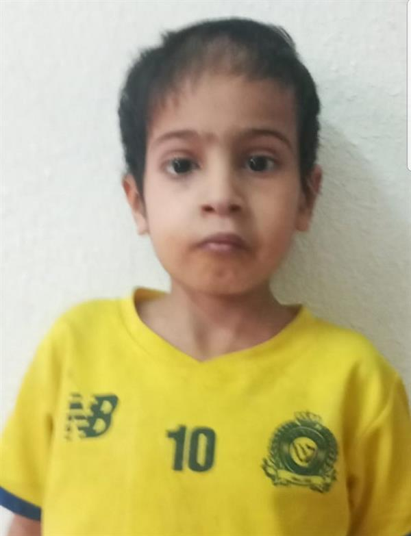 مواطن بالطائف يناشد بعلاج ابنه