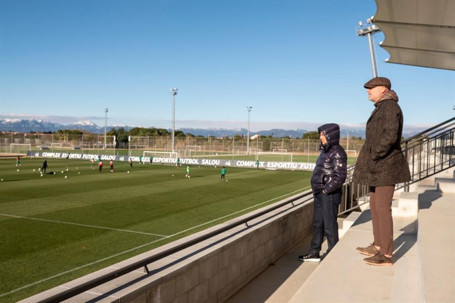 لوبيسكو يزور معسكر برنامج الابتعاث في إسبانيا (صور)