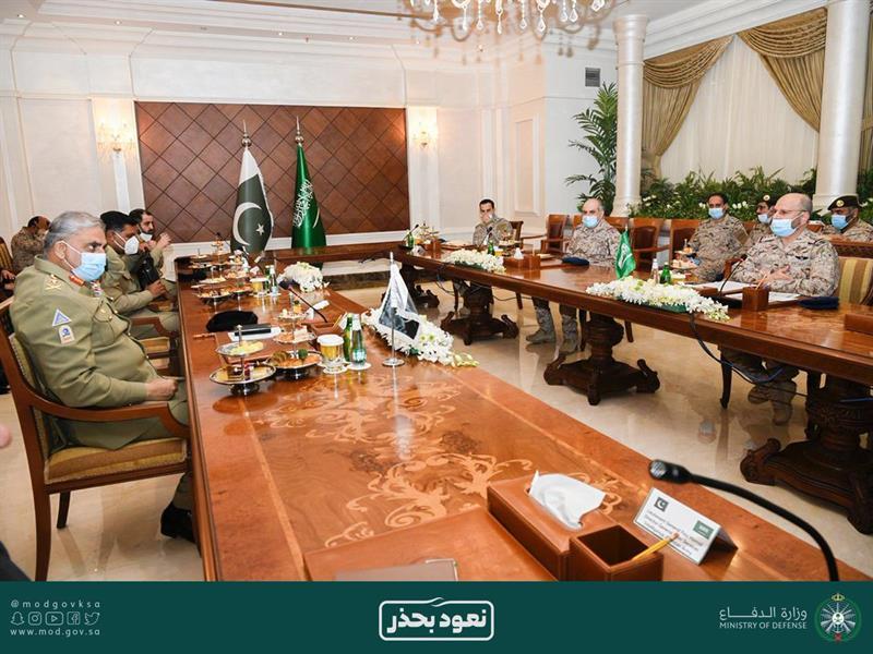 رئيس هيئة الأركان يستقبل قائد الجيش الباكستاني