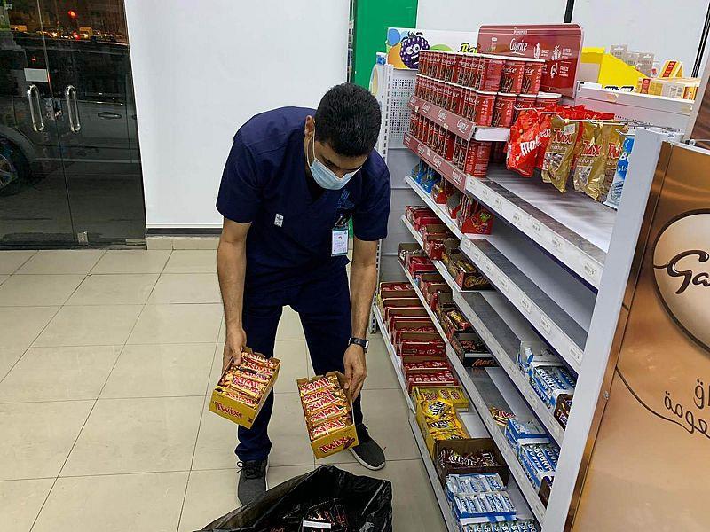 بلدية القطيف تُنفذ 120 جولة رقابية على المنشآت الغذائية