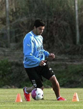 ارسنال لم يتوقف عن السعي للتعاقد مع سواريز رغم رفض ليفربول