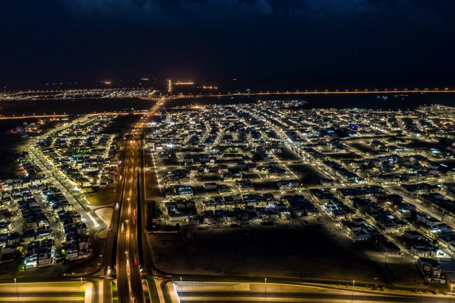"""صور.. هكذا بدت المدينة المنورة بعد استكمال المرحلة الأولى من إنارة الأحياء والطرق بإضاءة """"ليد"""""""