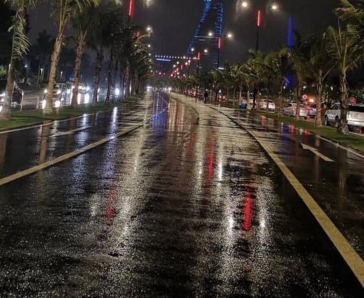 شاهد.. هطول أمطار غزيرة على جدة