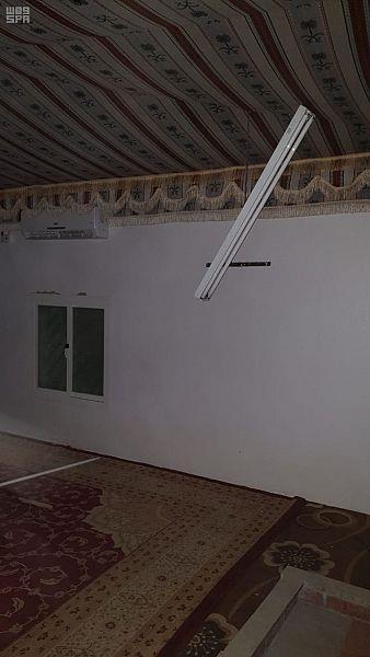 أخبار 24 مقذوف حوثي يصيب مسجدا ومنزل مواطن في ظهران الجنوب صور