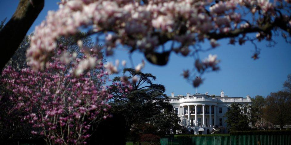 بالصور.. أراض شاسعة في البيت الأبيض لا يعلم عنها الكثيرون.. تشمل ملاعب وحديقة سرية