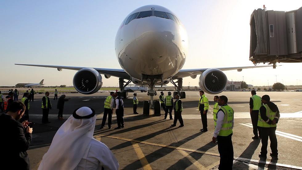 على متنها 68 راكبا ، هبوط اضطراري في مطار الكويت لطائرة قادمة من المنامة