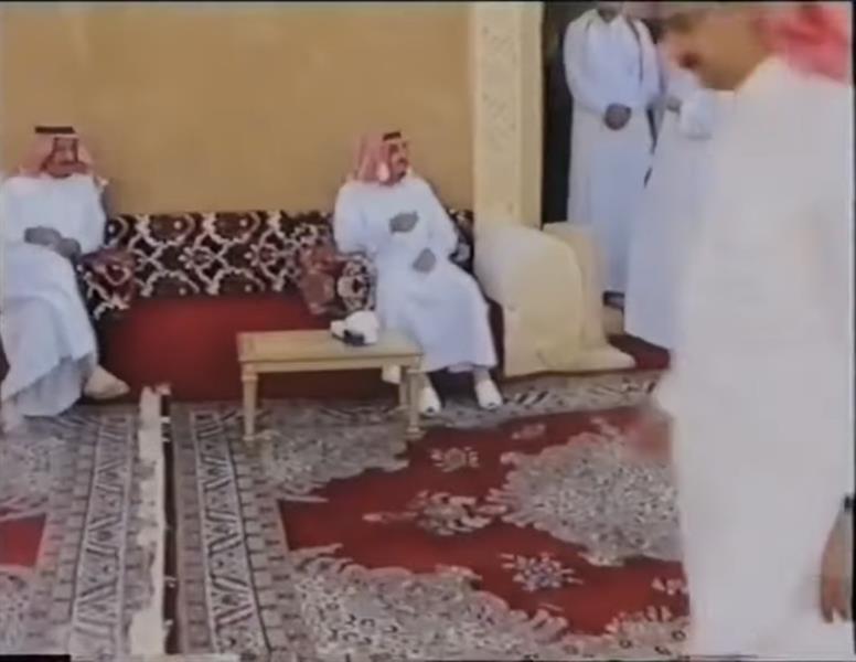 فيديو نادر للملك سلمان والملك فهد في ضيافة الأمير عبدالعزيز بن فهد بالعاذرية