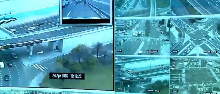 شاهد.. كيف تعمل غرفة العمليات بشرطة دبي.. استجابة خلال 10 ثوان و28 ألف كاميرا مراقبة