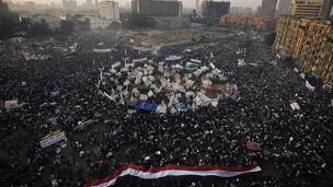 العشرات يعتصمون في ميدان التحرير منذ مظاهرات الثلاثاء المناهضة للإعلان الدستوري