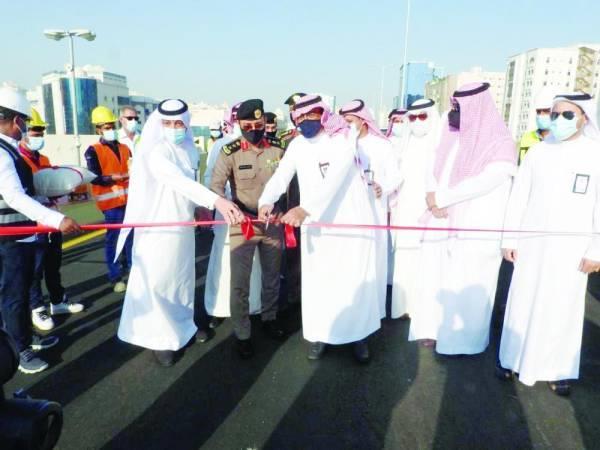 يسهل الحركة لقاصدي المسجد الحرام.. افتتاح جسر تقاطع طريق جدة القديم مع شارع عبدالله عريف