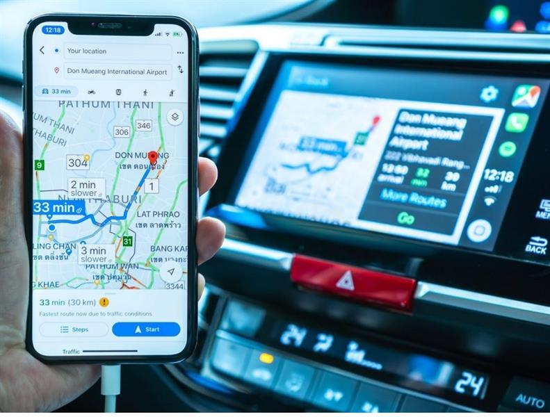 Elimina indirizzi e punti di accesso salvati in auto