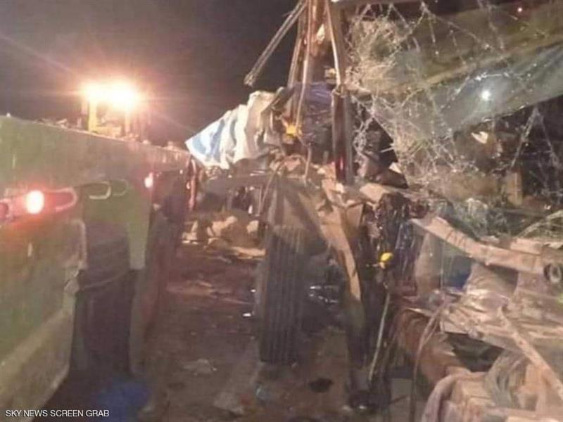 مصر .. مقتل أو إصابة 26 شخصًا في حادث مروع بالوادي الجديد