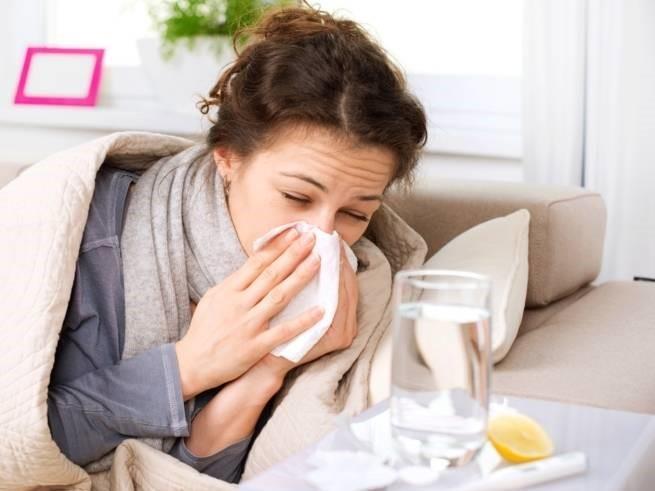 أفضل الأطعمة والمشروبات التي يجب تناولها عند الإصابة بنزلة برد