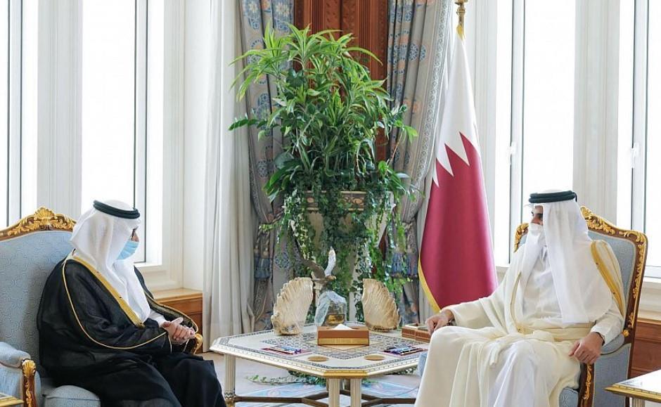 أمير قطر يتسلم أوراق اعتماد سفير خادم الحرمين الشريفين لدى دولة قطر