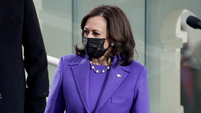 """سر ارتداء هؤلاء اللون البنفسجي خلال تنصيب """"بايدن"""""""
