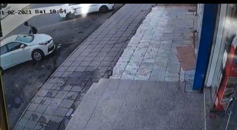 سرقة سيارة من أمام بقالة بمكة