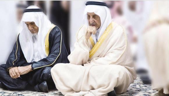 عبدالرحمن الفيصل Detail: صورة تفيض حزناً تجمع الأميرين خالد وتركي الفيصل