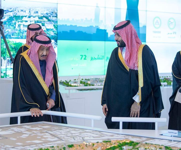خادم الحرمين يطلق 4 مشاريع كبرى في الرياض