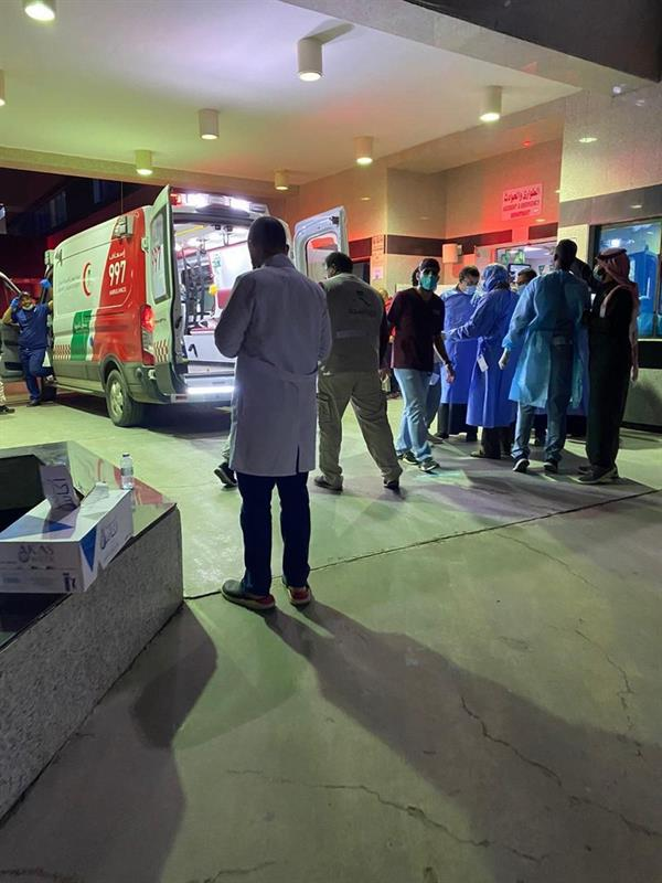 وفاة 3 أشخاص وإصابة 30 آخرين في حـادث انقلاب حافلة بتبوك