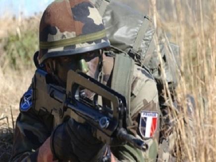 جندي من قوات النخبة الفرنسية