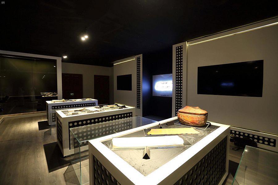 برعاية أمير المدينة .. افتتاح المعرض الدائم للمخطوطات النادرة في المسجد النبوي