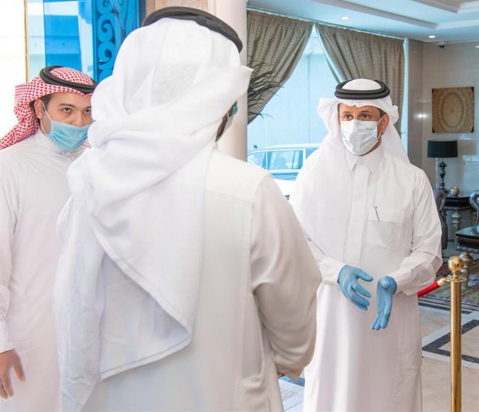 """وزير السياحة يتفقد عدداً من مرافق الإيواء قبل تسليمها لـ""""الصحة"""""""