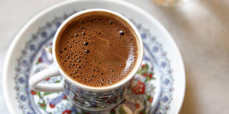 دراسة: القهوة تحد من نمو سرطان القولون وتعطي الأمل في علاج جديد