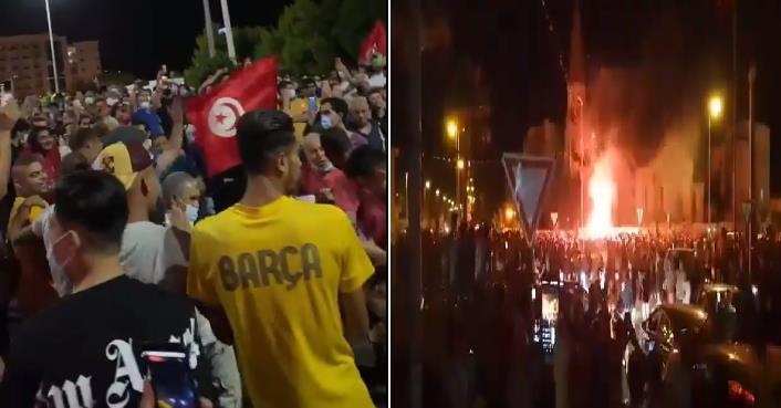 احتفالات في تونس بقرارات تجميد البرلمان وإعفاء الحكومة