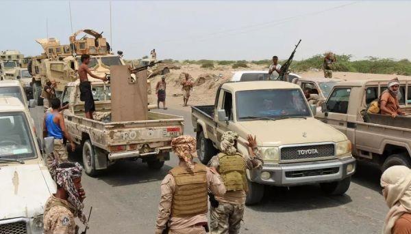 """قوات """"الشرعية"""" والمجلس الانتقالي تخرج من أبين تنفيذاً لاتفاق الرياض"""