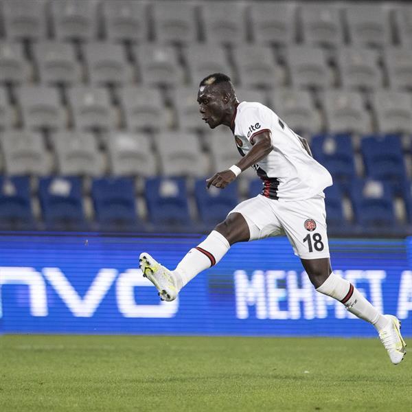 السنغالي الحسن نداو