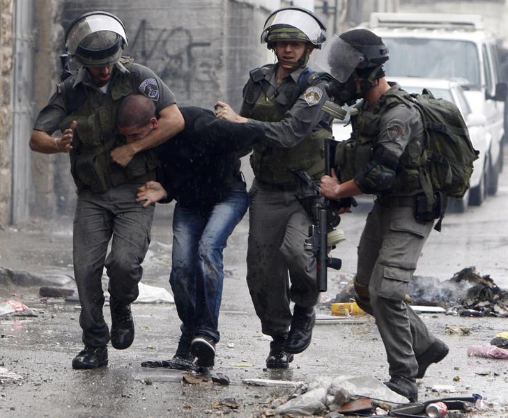 جيش الاحتلال يعتقل فلسطينيين أحدهما فتاة