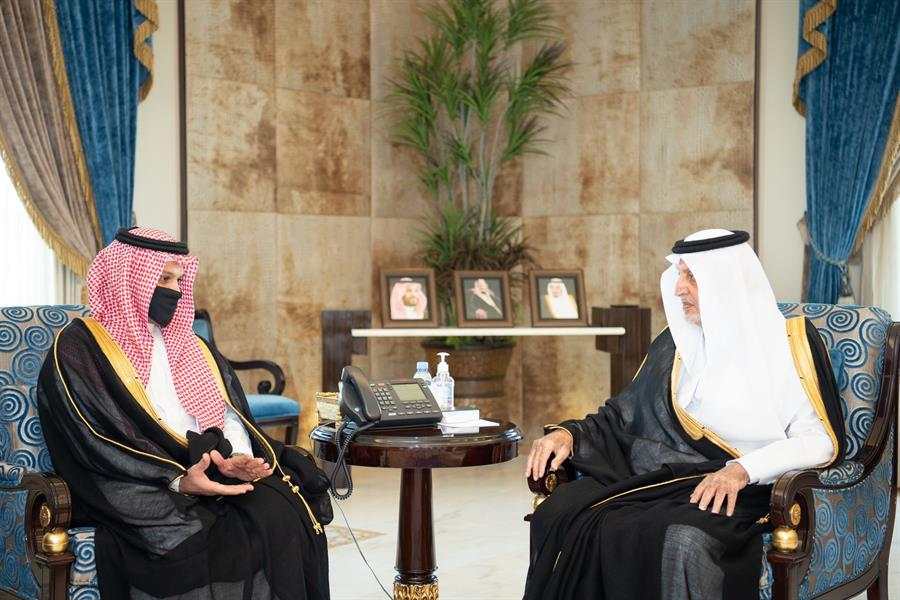 """خالد الفيصل يدشن نظام """"المسعف الإلكتروني"""" بمحافظة جدة"""