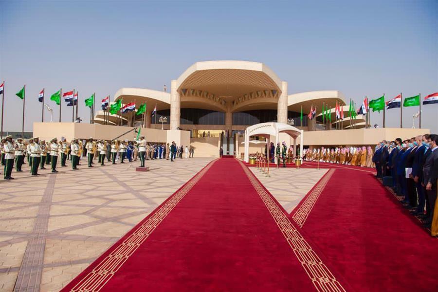 رئيس الوزراء العراقي يصل الرياض في زيارة رسمية