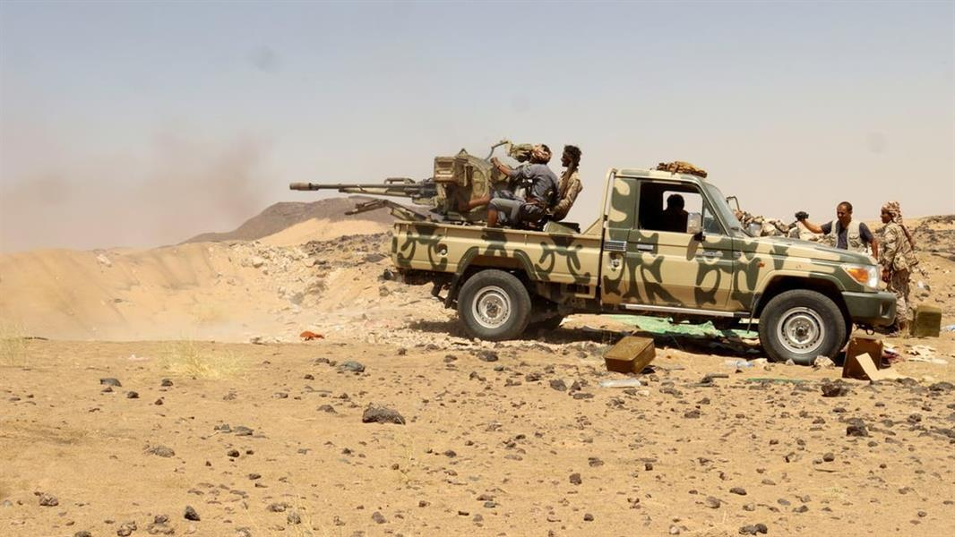 مليشيا الحوثي تدفن 4 أطفال من عائلة واحدة استشهدوا في صفوفها
