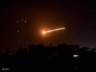 الدفاعات الجوية السورية تتصدى لهجوم إسرائيلي في سماء حمص