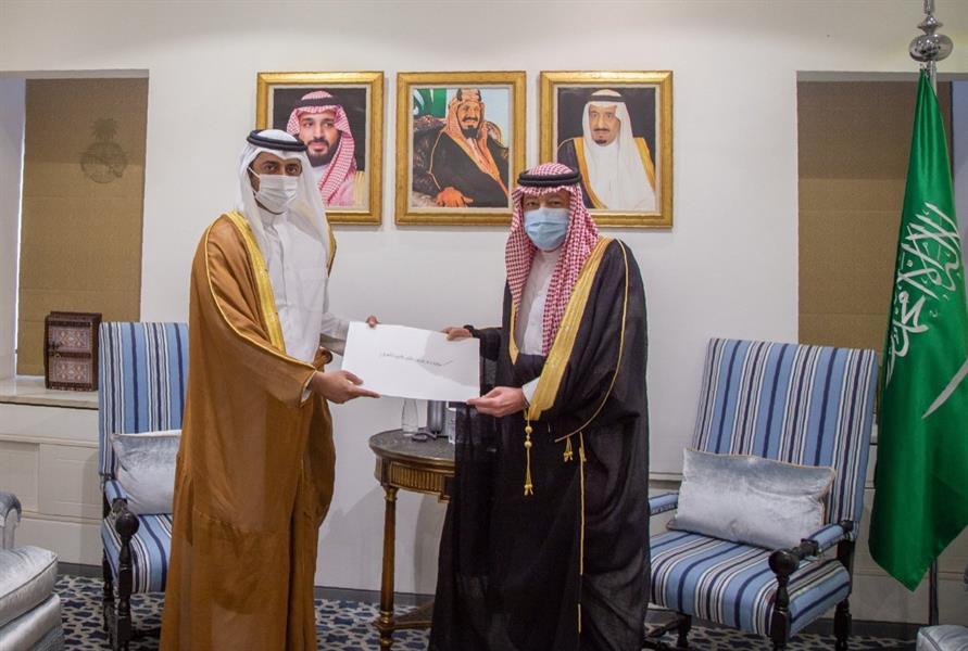 نائب وزير الخارجية يستقبل سفير قطر