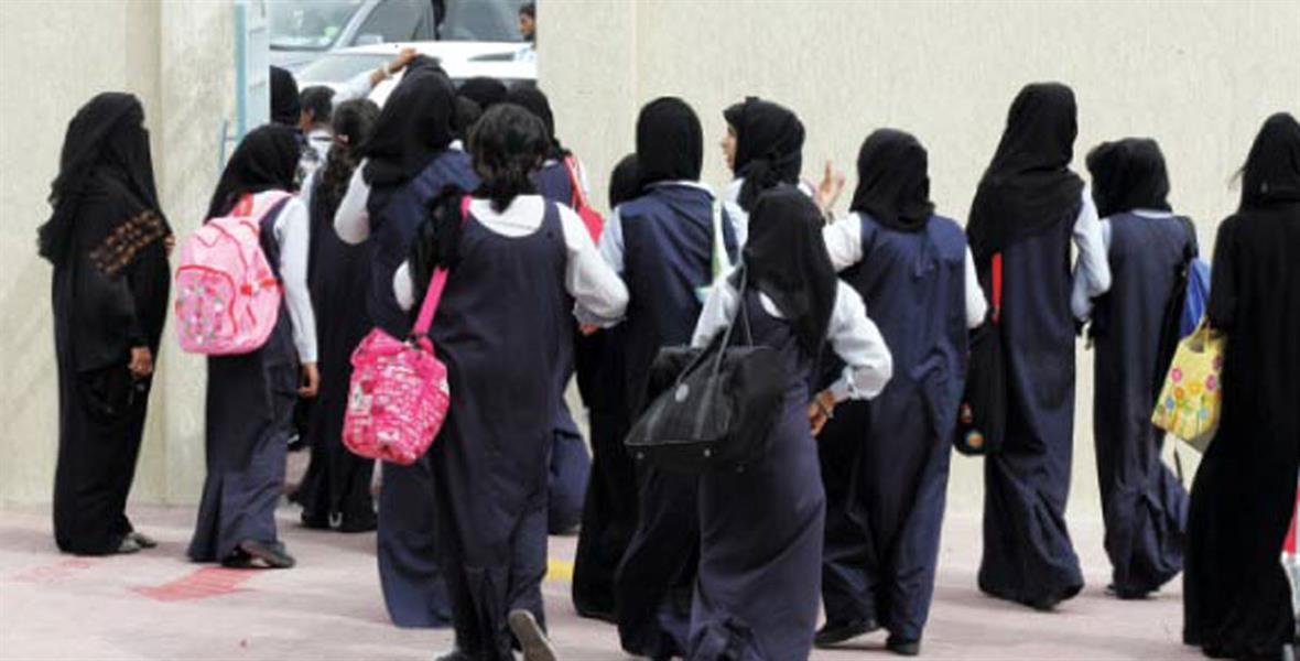 مكة: سائق ينشغل عن الطريق ويدهس طالبة أمام مدرستها بحي النزهة