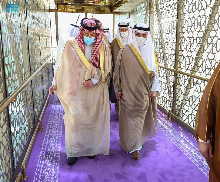 وزراء خارجية الكويت وعُمان والبحرين يصلون إلى الرياض