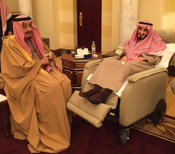 أخبار 24 صور من زيارات خادم الحرمين الشريفين لأخيه الأمير الراحل بندر بن عبدالعزيز