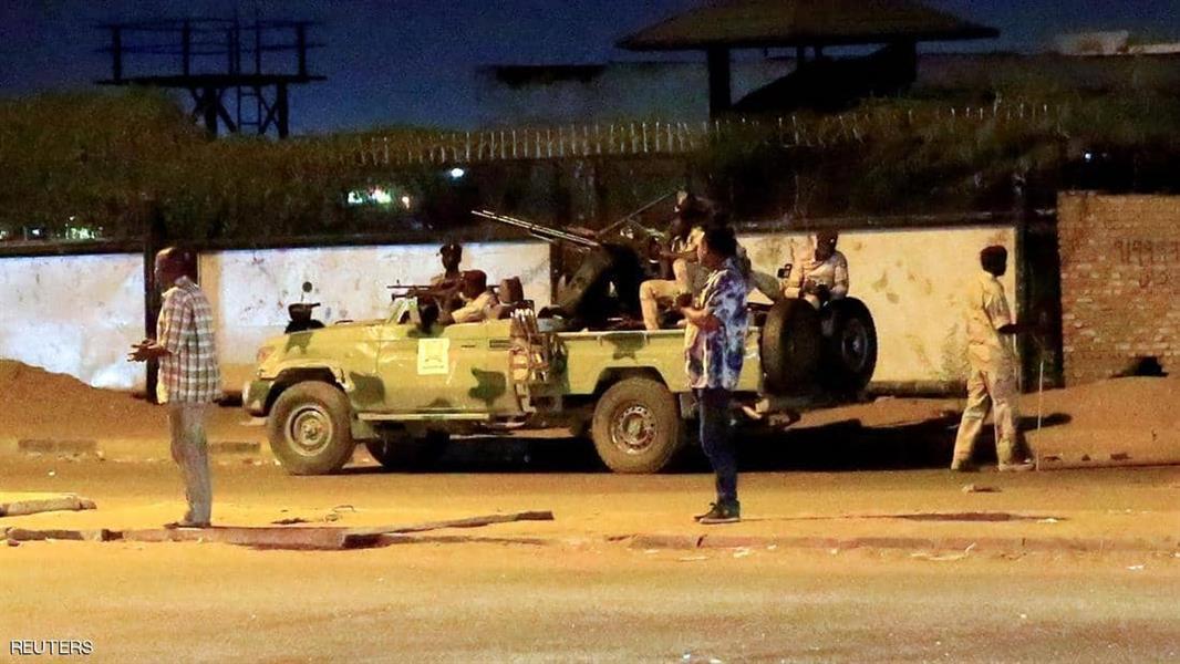 عناصر من قوات الرد السريع قرب إطلاق النار في الخرطوم