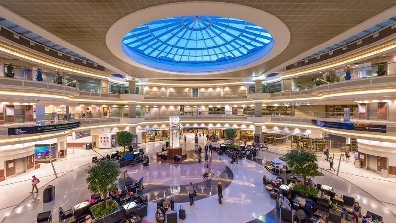 """المطارات الأكثر ازدحامًا على مستوى العالم.. """" هارتسفيلد جاكسون"""" الأول و""""دبي"""" الثالث"""