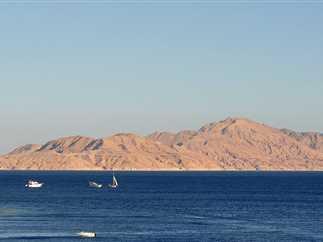الإفراج عن مركب صيد على متنه 35 مصرياً بعد دخوله مياه المملكة الإقليمية