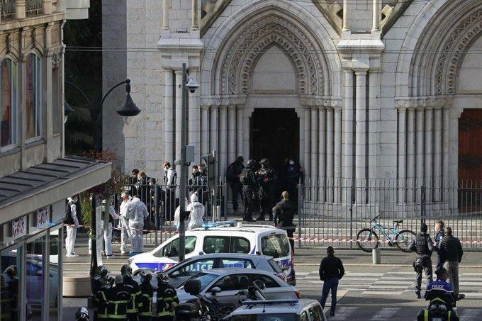 """""""كبار العلماء"""" تدين الهجوم الإرهابي الذي وقع بالقرب من كنيسة في مدينة نيس الفرنسية"""