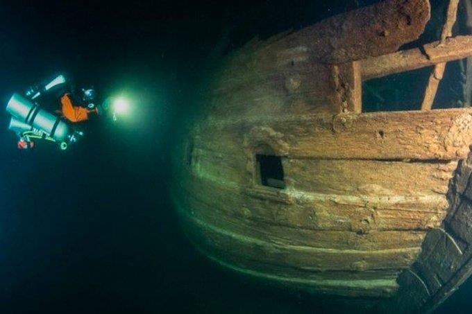 العثور على سفينة مغمورة في مياه فنلندا