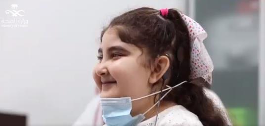 نجاح فريق طبي في زراعة قوقعة إلكترونية لطفلة فقدت السمع قبل 6 أشهر