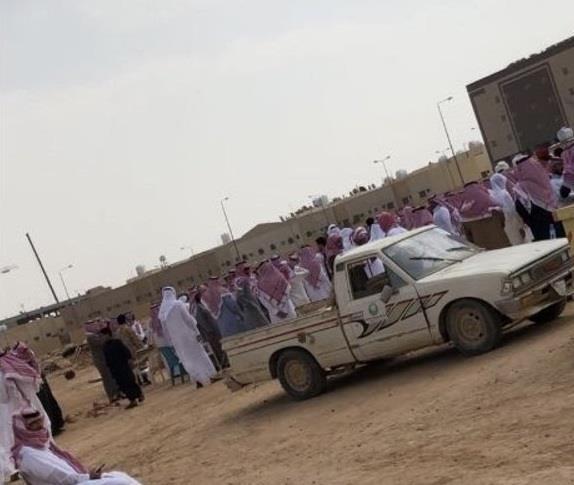 """جموع غفيرة تشيع الشبان الخمسة ضحايا حادث """"رماح - شتوية"""""""