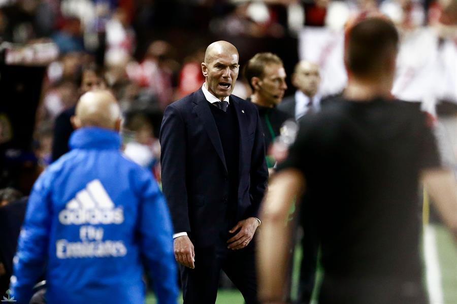 «زيدان» ينتقد لاعبي ريال مدريد بعد السقوط أمام فايكانو