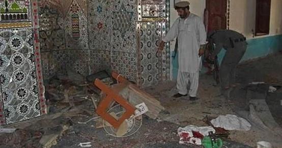 """انتحاري يفجر نفسه بمسجد """"وزير أكبر خان"""""""