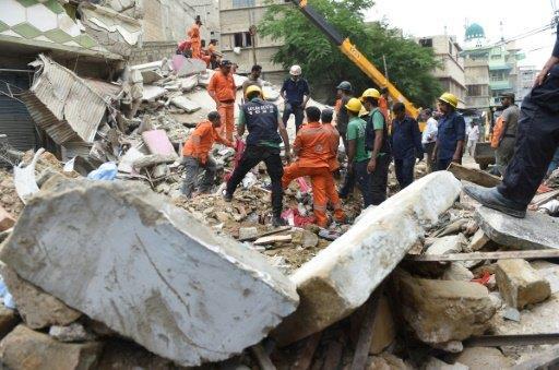 خمسة قتلى في انهيار بناية سكنية في جنوب باكستان