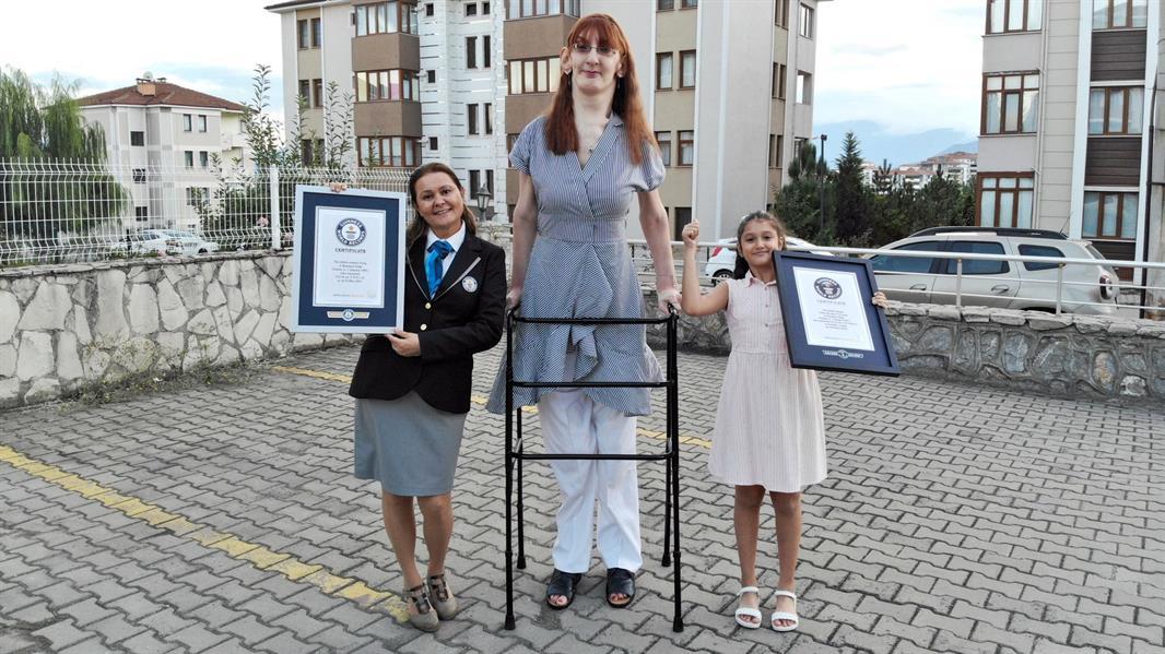 أطول امرأة